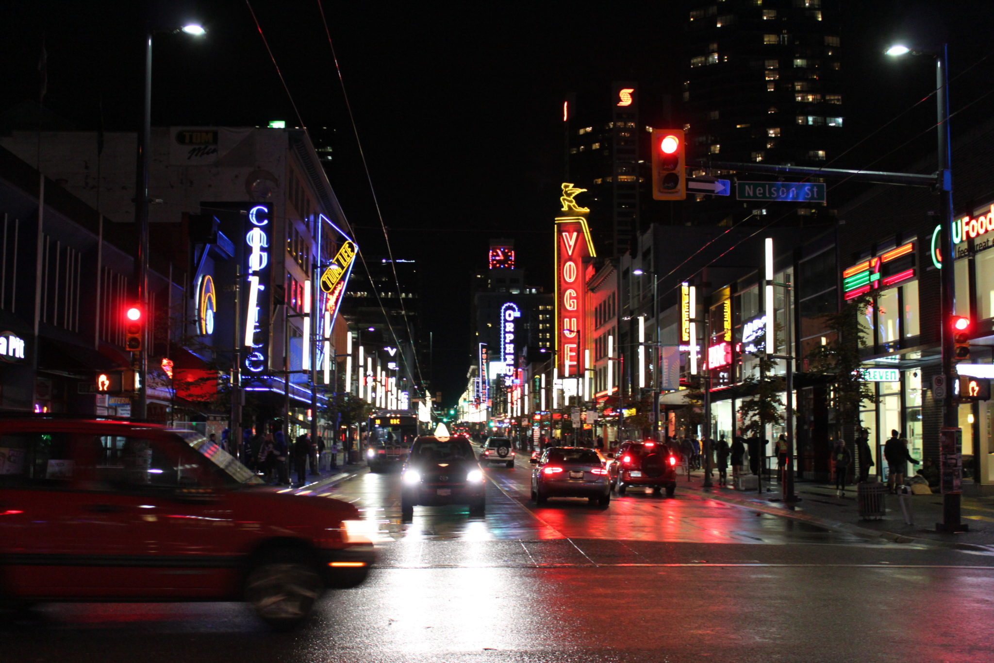 nuit-granville-street-vancouver