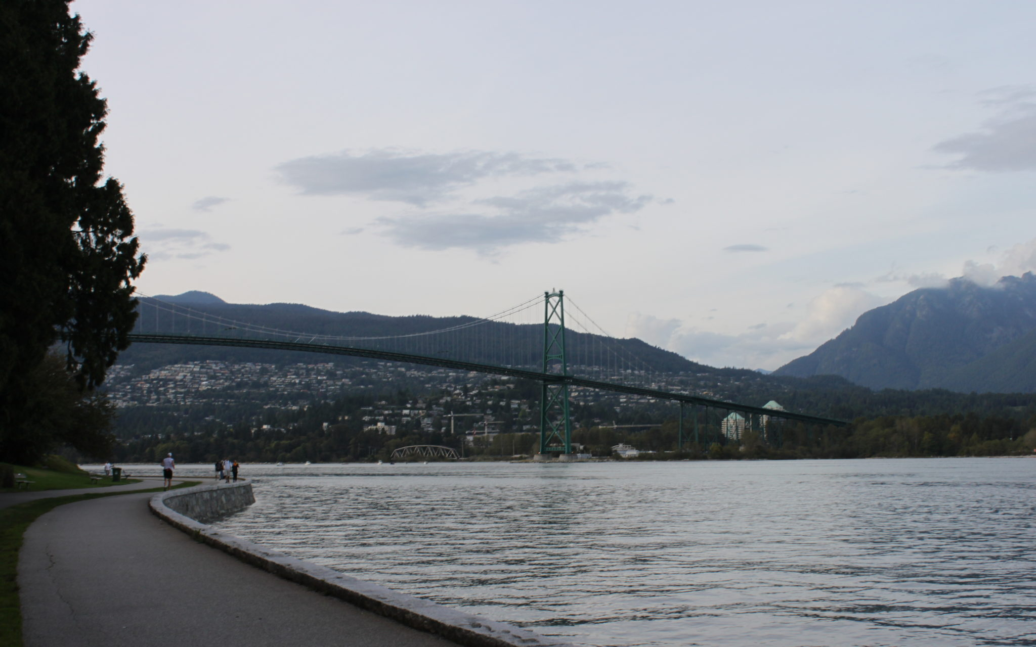 stanley-park-lion-gate-bridge-vancouver